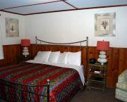 King Room - Dare Haven Motel