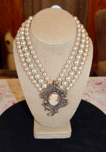 Muzzie's Fine Jewelry & Gifts, Exstasia Pearl Necklace