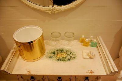 Mirabella bathroom at Cameron House Inn
