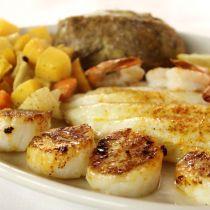 Basnight's Lone Cedar Outer Banks Seafood Restaurant, Restaurant
