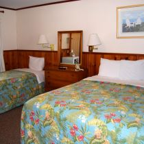 The Dare Haven Motel on the Outer Banks, Queen + Twin Room